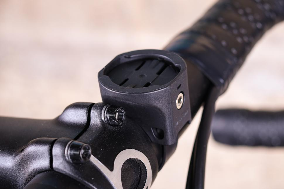 1000 lumen bike light easy to mount